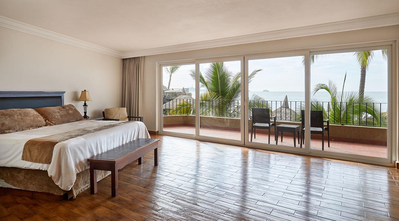 Deluxe room with ocean view Hotel Playa Mazatlan