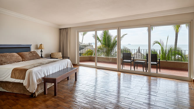 Deluxe Room of Hotel Playa Mazatlan King or Double Beds