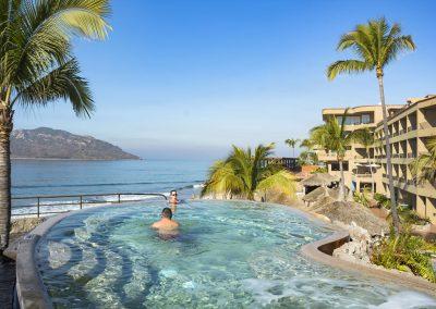 Beachfront Jacuzzi Playa Mazatlan Beach Hotel